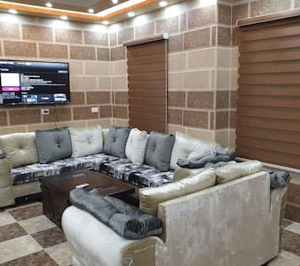 Atoom apartment with magnificent view on jarash