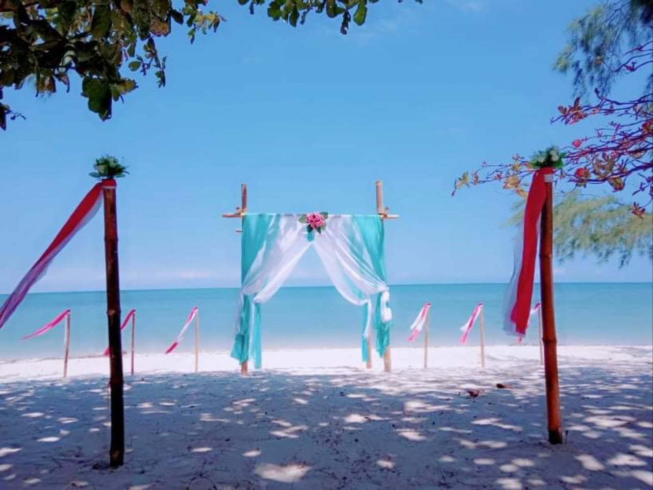 Bintan Brzee Beach (BBB) is privat beach, Free wifi. wide beach 50m x 300m long from the street. By taxi from  lagoi ferry terminal 1 hour. There are 5 bengelows + 1 restaurant. We Can serve wedding beach, event, outbond, dinner at beach, barbecue.