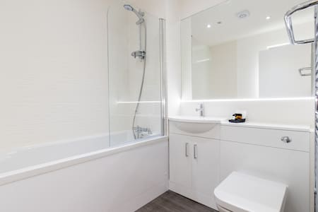 Abodebed 9 Oval View, 2 bed/2 bath (6 max)