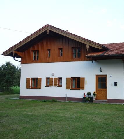 Haus am Hof - Wohnung oben