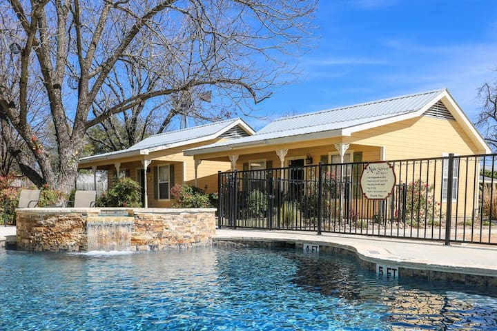 Main Street Retreat Eagles Nest Suite | King Bed | Shared Hot Tub/Pool