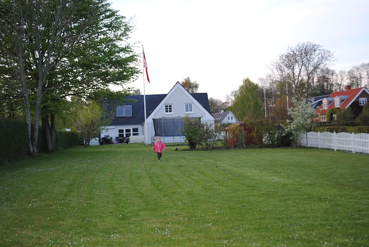 Spacious house (320m2) perfect for family vacation - Daugård