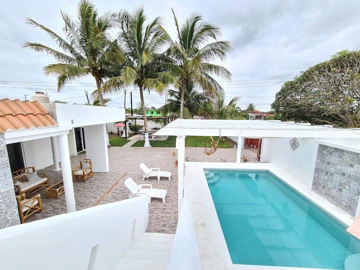 Casa Blanca en Costa esmeralda