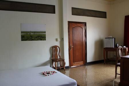 Cozy deluxe room in Battambang