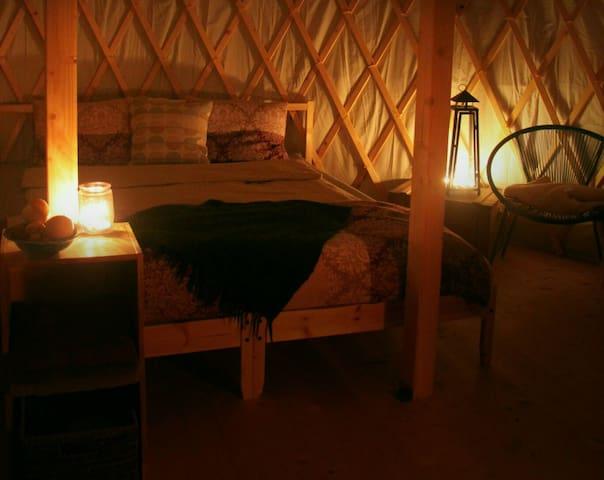 Kerzenlicht in der Jurte am SEE (*Dandelion*) - Salmsach - Jurta