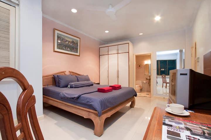 Argyle 1 Bed (4) 80 m2 Phratamnak