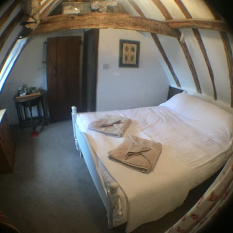 Little Tudor Cranbrook Kent - Cranbrook - Bed & Breakfast