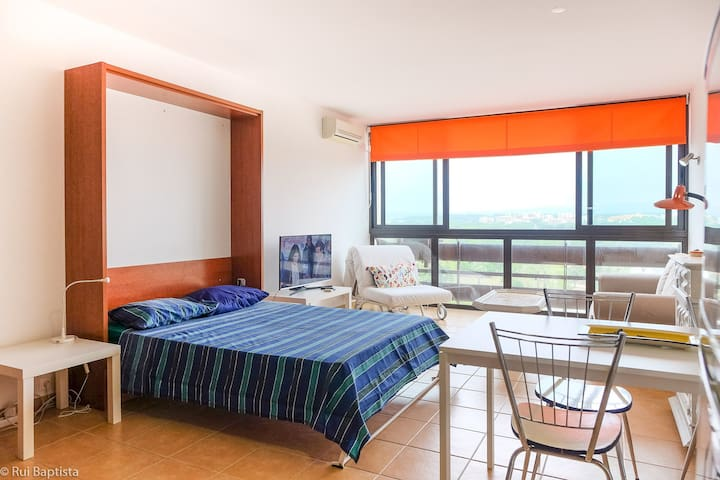 Nice studio with A/C just 5 minutes from the Marina