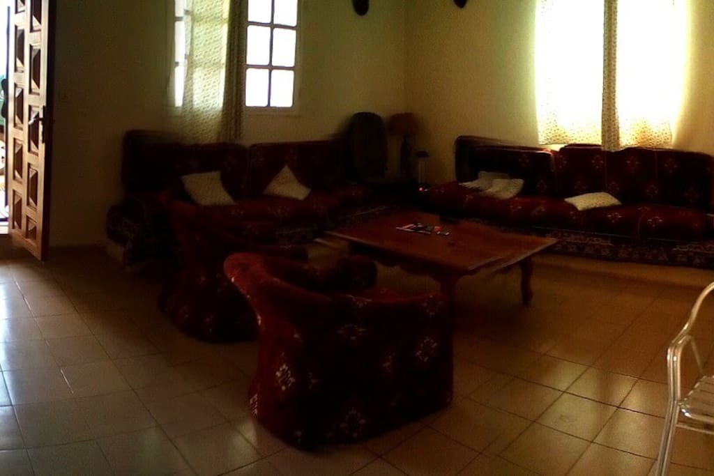 Loue maison meubl odza houses for rent in yaounde for Meuble tv yaounde