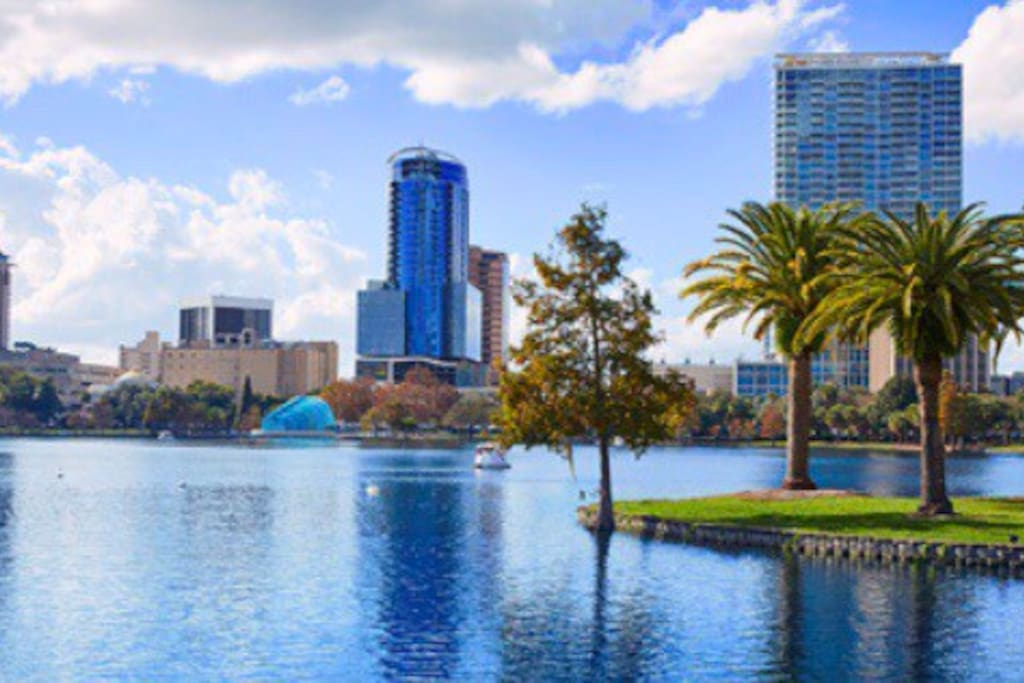 Lake Eola Lake Eola is a 1.1 mile heavily trafficked loop trail located in Downtown Orlando, Florida