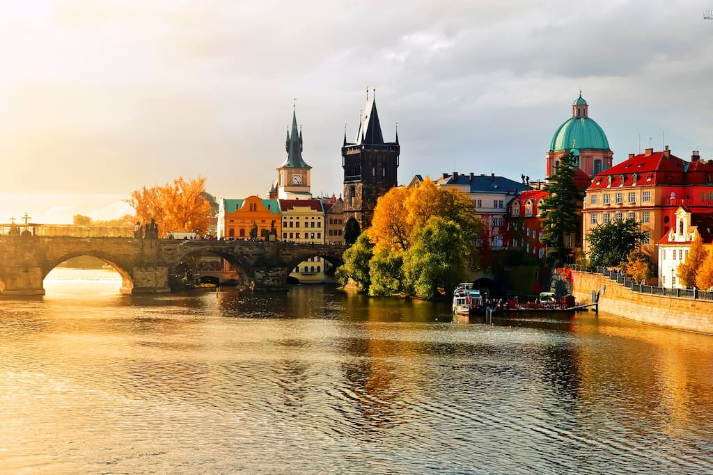 3 min walking distance to Charles Bridge