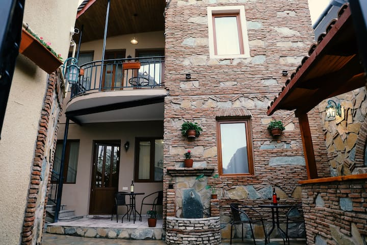 - 60% APART HOTEL - Old Tbilisi couple apartment