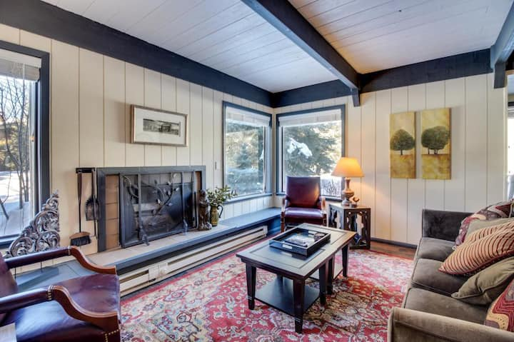 Cozy Sun Valley Cottage with SV Inn Amenities