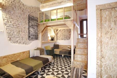 Tiny Apartment Next to Rho Fair Milan with Parking