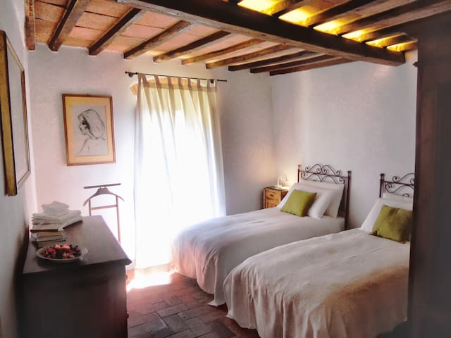 Saif bedroom