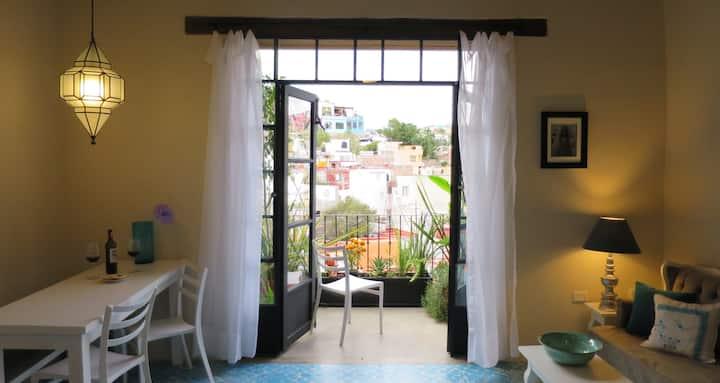 Casa La Estela- Balcón- Style & Views in El Centro