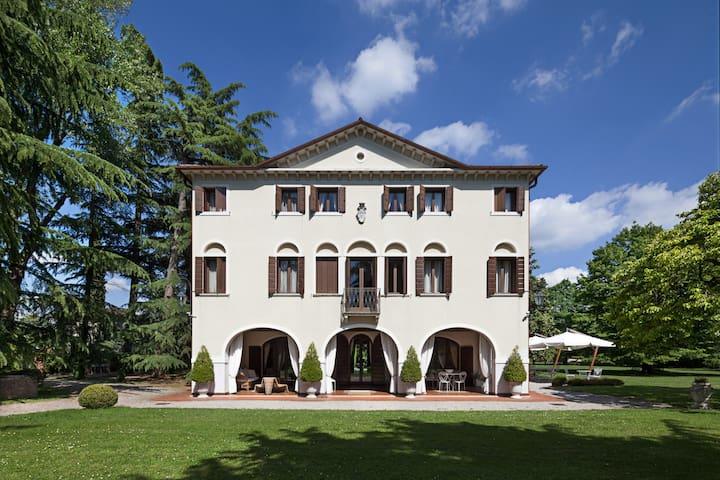 facciata villa veneta Villa Zane B&B con piscina e parcheggio, Treviso, Venezia, Veneto
