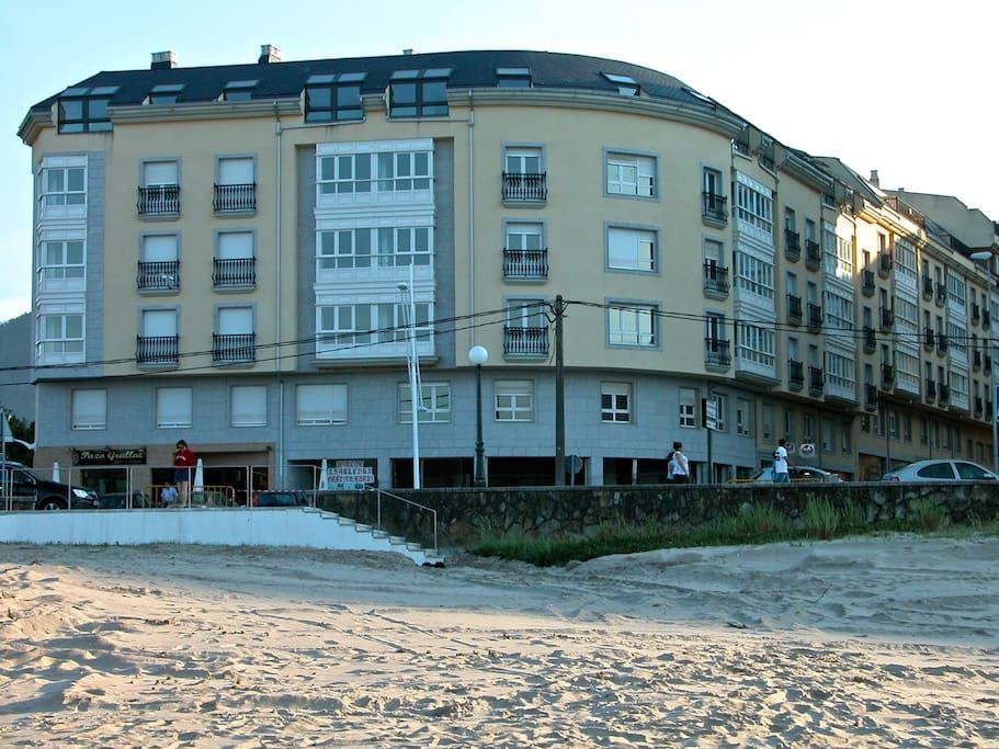 Apartamento visto desde la playa de Covas