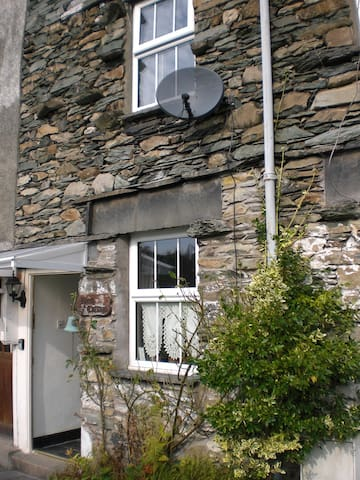 Cosy traditional 200 yr old stone cottage sleep 4 - Ambleside - Dom