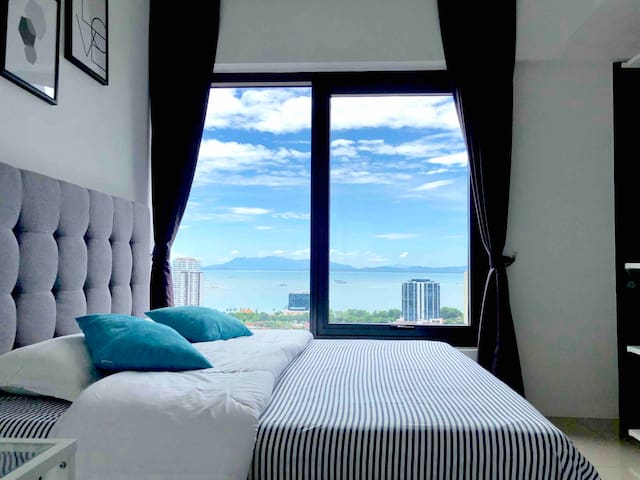 City Centre Seaview Suite @ Macalister Penang 海景民宿
