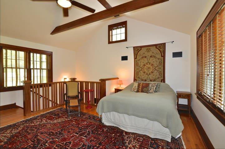 Bedroom 3, with queen-size bed, 2nd floor