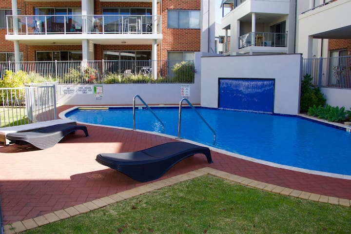 Resort Living 3BR Apartment with pool