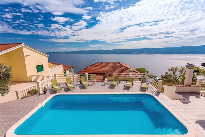 VILLA MASLINA, with private 32m2Pool, panoramic views on 100km coastline, 12 pax