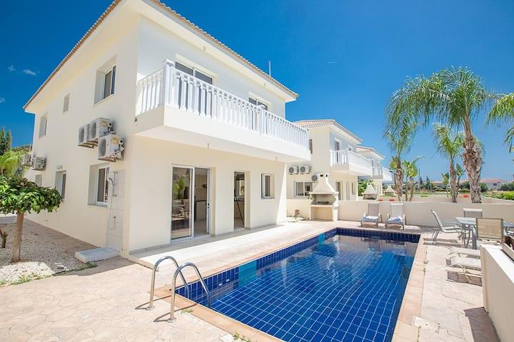 Villa Jazzy, Beautiful 3BDR Ayia Napa Villa with