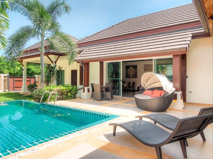 Lovely Pool Villa, 3 bedrooms Nai Harn Beach