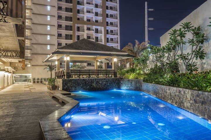 2BR Penthouse w/ Terrace Suite @ Prime Location