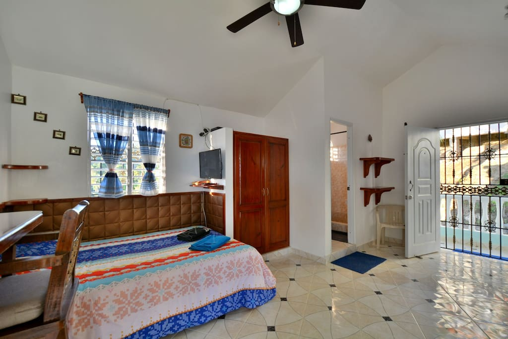 All the comfort for this studio equipped with separate entrance for a pleasant stay in love
