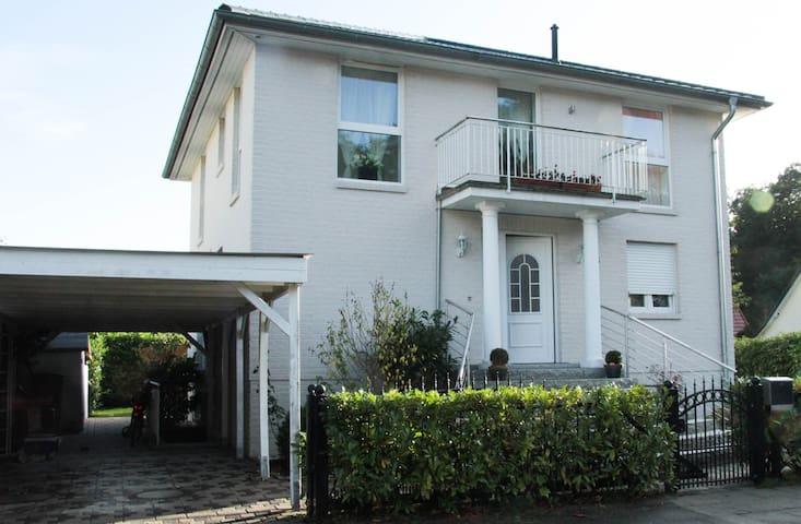 2-Zimmer Wohnung in einem Einfamilienhaus