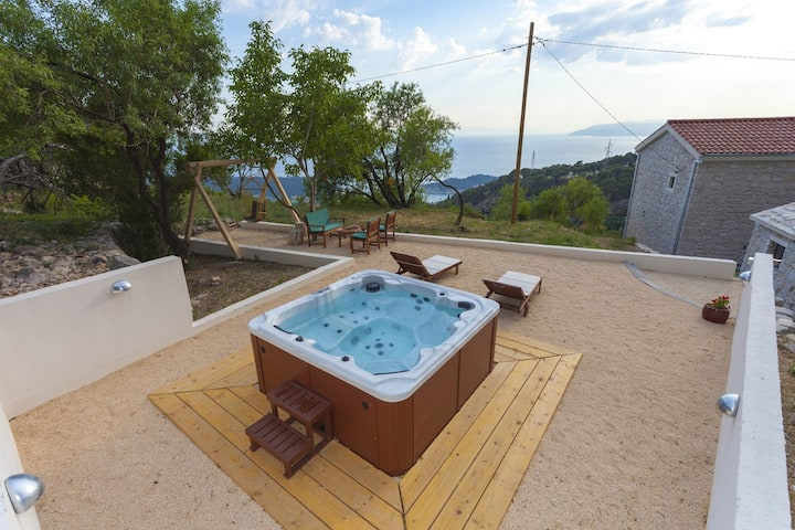 ctma 108 - Charming holiday house with whirlpool in Makarska, up to 4 + 1 persons