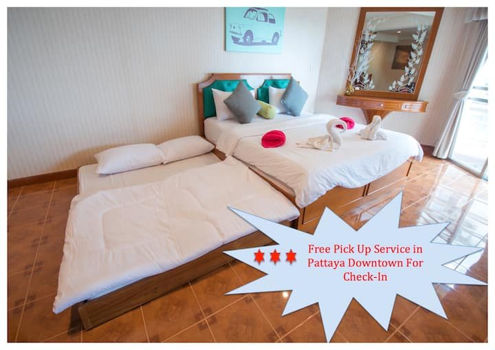 ★Large Spacious Room★Near Beach★Private Bar inRoom