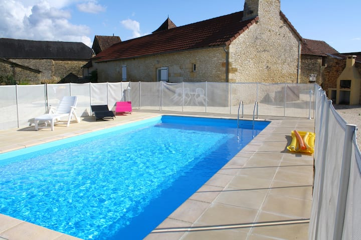 Villa with 3 bedrooms in Archignac, with private pool, enclosed garden and WiFi