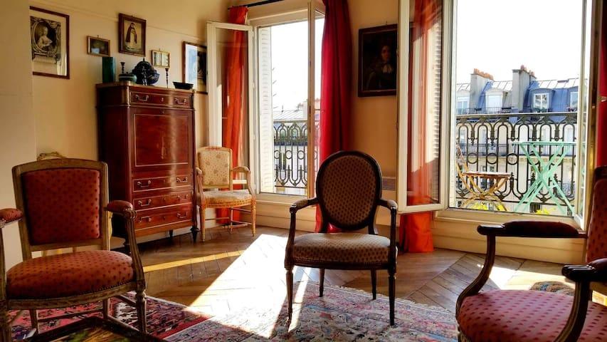 Le Marais 80m2 appartment, XIXth century building.
