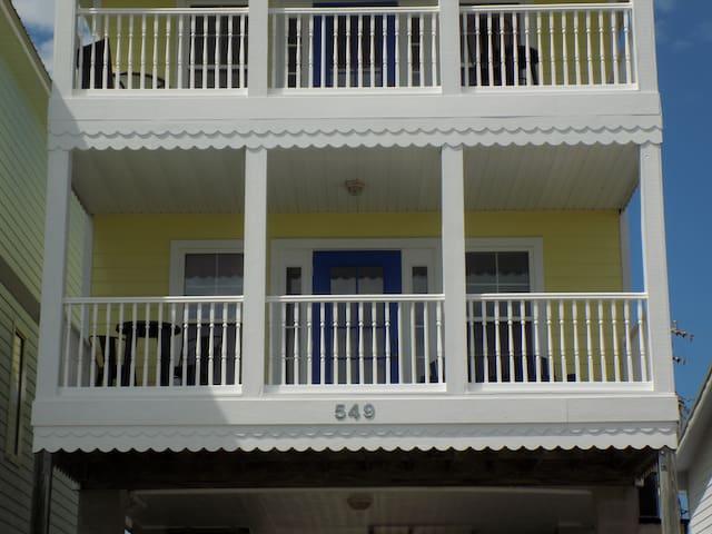 The Daisy House (1st Floor)