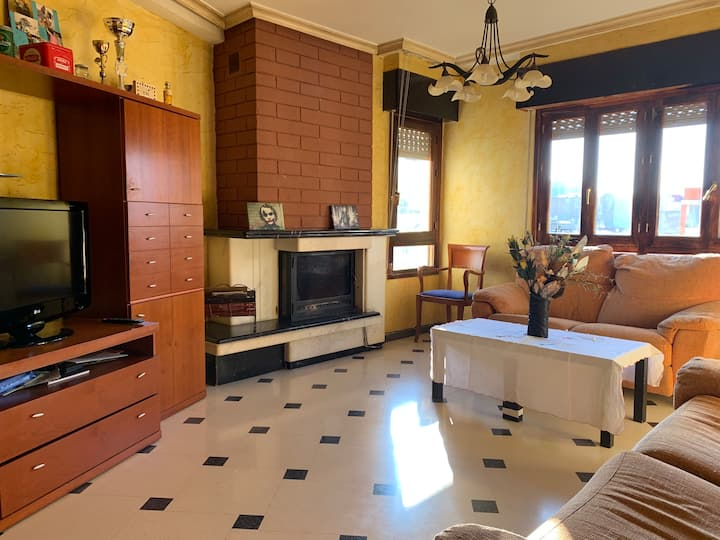Lovely room in nice apartment near by the coast