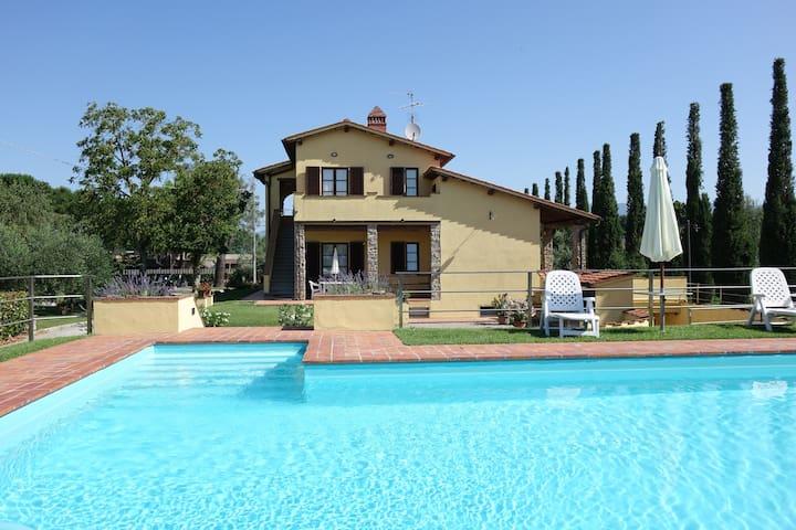 "San Frustino  - ""Cipressi"" Apartment"