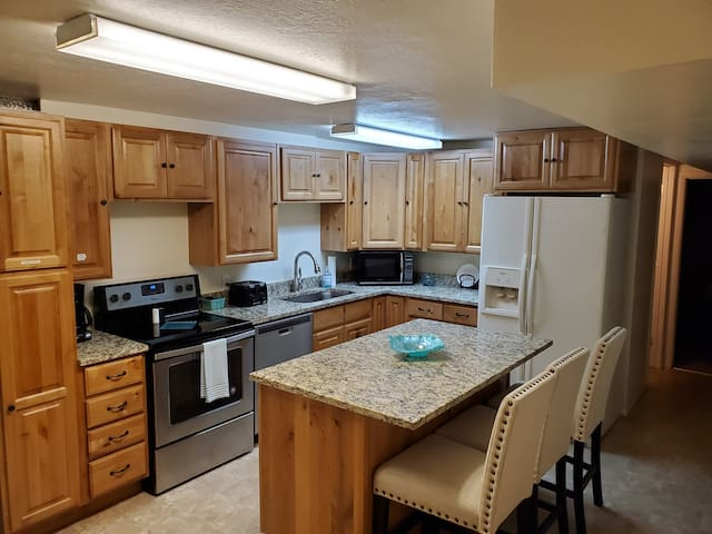 Newly remodeled PRIVATE 2 BR basement apartment.