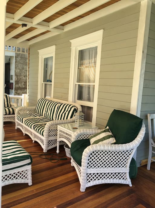 front porch with ceiling fan
