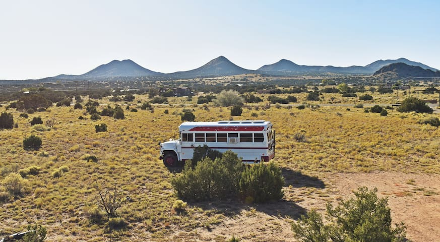 Desert Dreams Solar Bus Mountain View Glamping