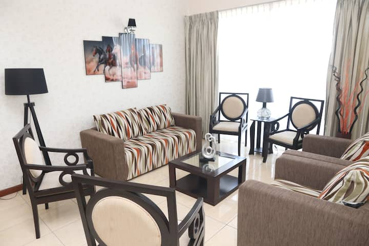 3Bed, 2.5 Bath, Apt Colombo 3 - Excellent Location
