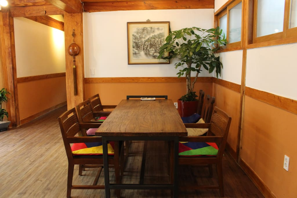 7 seats wooden table