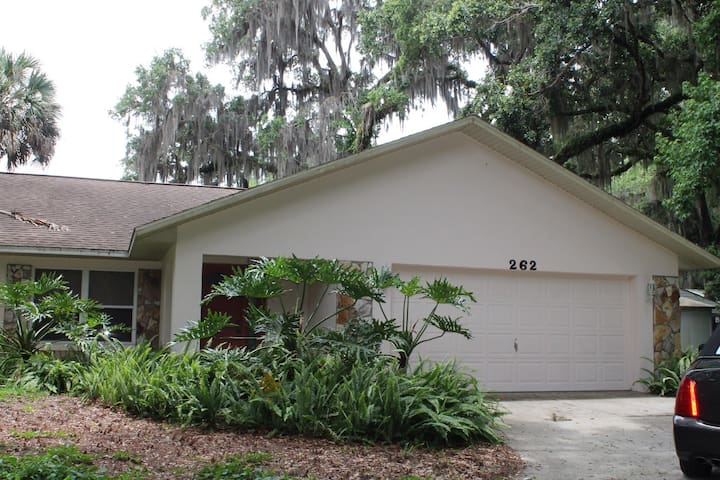Cozy Riverfront Home with Boat Dock - Inglis