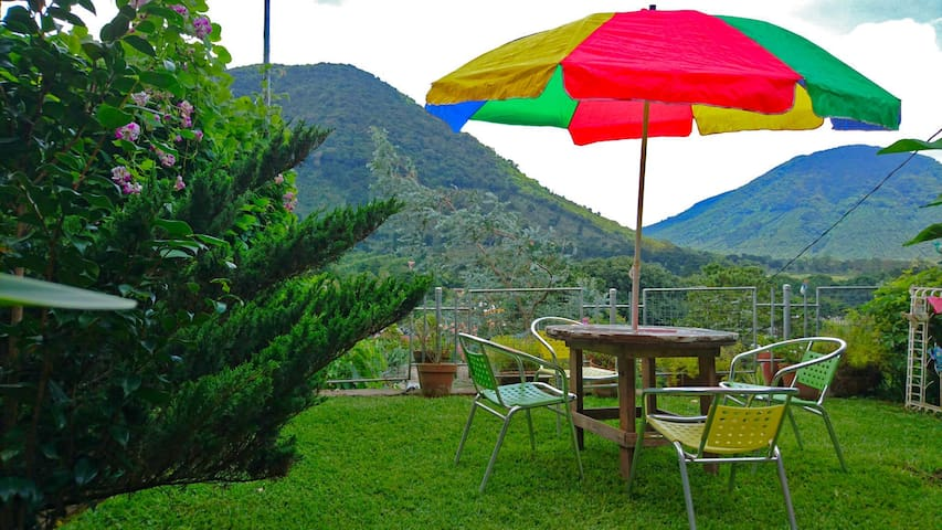 Cabaña con vista espectacular en Los Naranjos