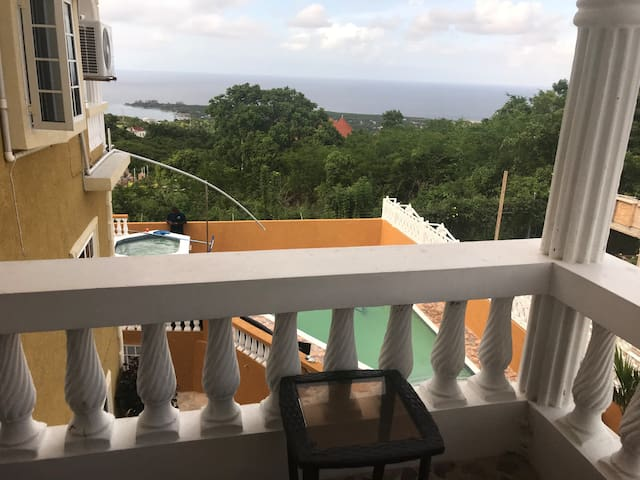 Pool View King/Queen Suites near Puerto Seco Beach