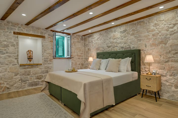 ADENTE LUXURY STUDIO, 4**** CENTER - OLD TOWN