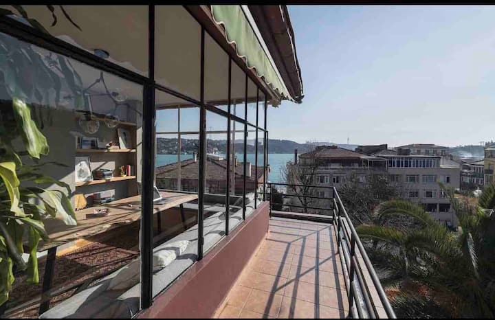 Modern Spacious Flat with views of Bosphorus Bebek