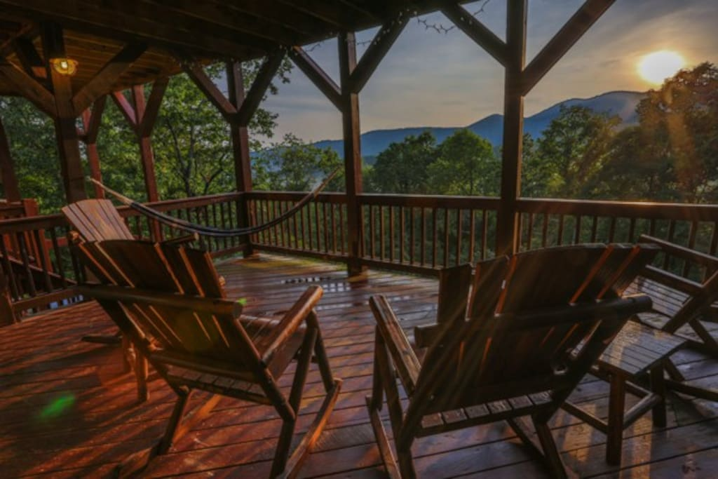 Relax in the hammock and enjoy the spectacular view.